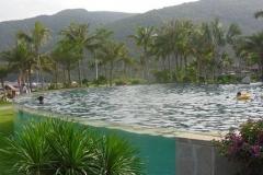 Akrilik-kaca-bawah-air-untuk-kolam-renang-gedung-FILEminimizer