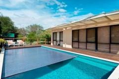 Hotel-dengan-fitur-akrilik-kolam-bening-FILEminimizer