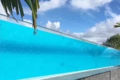 Jasa-pembuatan-kolam-renang-kaca-akrilik-di-atas-gedung-FILEminimizer